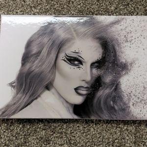 Jeffrey Star Cremated Eyeshadow Palette